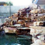 Пруд с каскадным водопадом