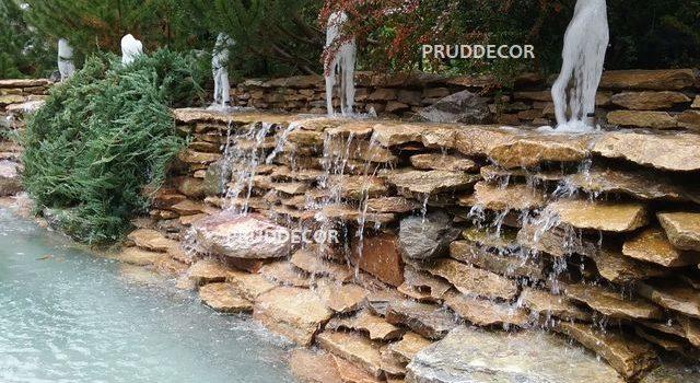 Декоративный пруд с фонтанами